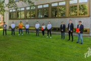 Cleverer Helm, kühle Getränke, praktischer Party-Service: Sparkasse Schaumburg prämiert Siegergruppen der BBS Rinteln
