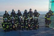Übung der Feuerwehr Rinteln bei großer Hitze: Mit schwerer Ausrüstung auf den Jahrtausendblick