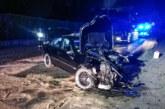Steinbergen: Schwerer Unfall auf B83 / Autofahrer und Fußgänger verletzt