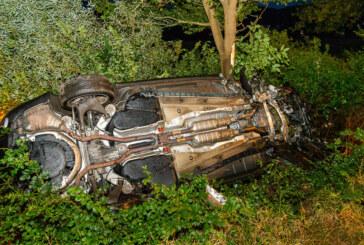 Unfall in Porta Westfalica: Auto landet in Straßengraben