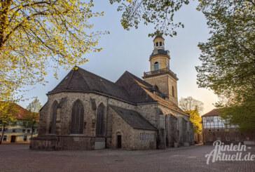 Offenes Abendlieder-Singen auf dem Kirchplatz