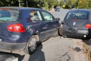 Engern: Auf geparkten PKW aufgefahren
