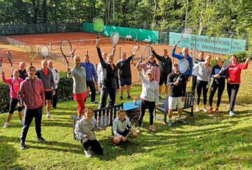 Ende der Freiluftsaison: Rot-Weiß Rinteln spielt gemischtes Tennisturnier
