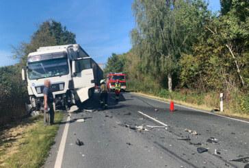 Frontalzusammenstoß bei Bückeburg: Skoda-Fahrer (82) kommt bei schwerem Unfall ums Leben