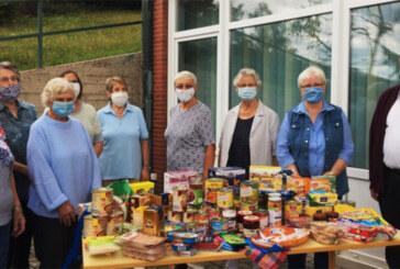 Bastelgruppe der Kapellengemeinde Todenmann spendet Lebensmittel an Rintelner Tafel