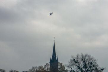 Polizei sucht Person: Hubschrauber kreist über Rinteln