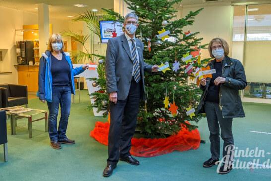 """Rintelner Silvesterinitiative: 20. Weihnachts-Wunschbaum wartet auf """"Wünsche-Erfüller"""""""