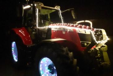 """""""Ein Funken Hoffnung"""": Leuchtende Traktoren rollen durch Rinteln und sammeln Spenden für Lebenshilfe"""