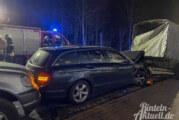 Engern: Fünf Fahrzeuge und ein Anhänger bei Unfall beschädigt / Eine Verletzte