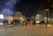 Mit Traktoren, Brennholz und Blockaden: Landwirte bewegen ALDI an den Verhandlungstisch
