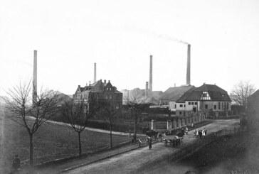 Neu in der Sammlung des Museums Eulenburg: Kranzkugelflaschen aus Rintelner Glasfabrik