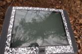 Auffälliger Fernseher im Wald entsorgt