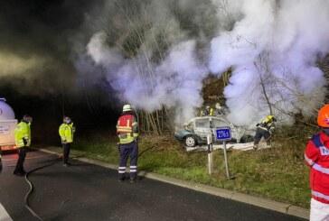 Tödlicher Unfall auf A2: Person nach Unfall im Auto verbrannt