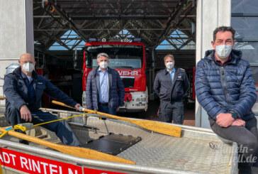 Spezialboot für Seen und Teiche: Stadtwerke und Feuerwehr Rinteln kooperieren