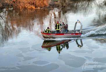 Ölfilm auf der Weser: Wasserschutzpolizei sucht mit Sonarbooten