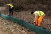 Krötenwanderung kann beginnen: NABU-Ehrenamtliche stellen Amphibienzäune auf
