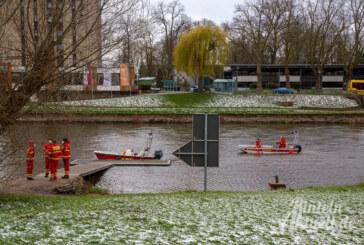 Feuerwehr, THW, DLRG und Polizei: Großeinsatz auf der Weser ergebnislos beendet