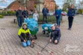 Exten: Fleißige Müllsammler Elias und Paul erhalten Freibad-Freikarten und Gutscheine