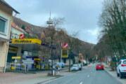 Porta Westfalica: Tankstelle überfallen, Tatverdächtige festgenommen