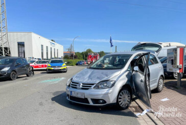 Rinteln: Auf geparktes Auto aufgefahren