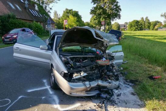 Krankenhagen: Unfall mit drei Autos auf der Extertalstraße / Sieben Verletzte
