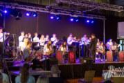 Live-Konzert im Gymnasium: Ernie´s Hausband und Ernestinum Bigband musizieren wieder