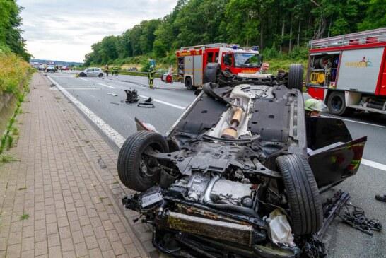 Unfall auf A2 bei Porta Westfalica mit drei Verletzten: Drei Autos schwer beschädigt