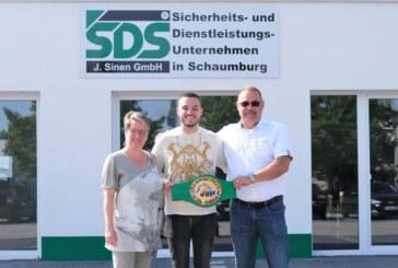 WBC-Mittelmeer-Champion Piergiulio Ruhe auf Sponsorenbesuch bei SDS in Rinteln