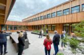 Bauausschuss des Landkreises tagt in neuer IGS Rinteln: Rundgang durch die Schul-Baustelle