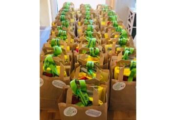 Exten: Förderverein der Grundschule packt Einschulungstüten