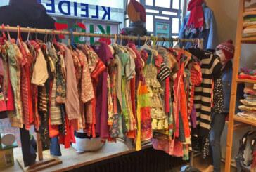 Kleiderkiste Rinteln: Warme Sachen für Herbst und Winter liegen bereit / Spielzeug-Spenden gesucht