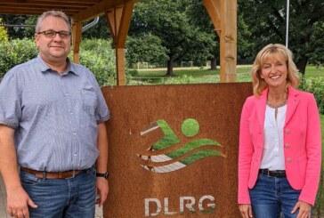 Bürgermeisterkandidatin Andrea Lange zu Besuch bei der DLRG Rinteln