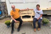 Sabine und Dietmar Ostermeier von Physio Aktiv transportieren Spenden in Hochwassergebiet an der Ahr