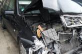 Polizei sucht Unbekannten: Mercedes-Beifahrer verschwand nach Unfall