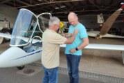 Ausbildungserfolg beim LSV Rinteln: Thorben Schulte absolviert ersten Alleinflug
